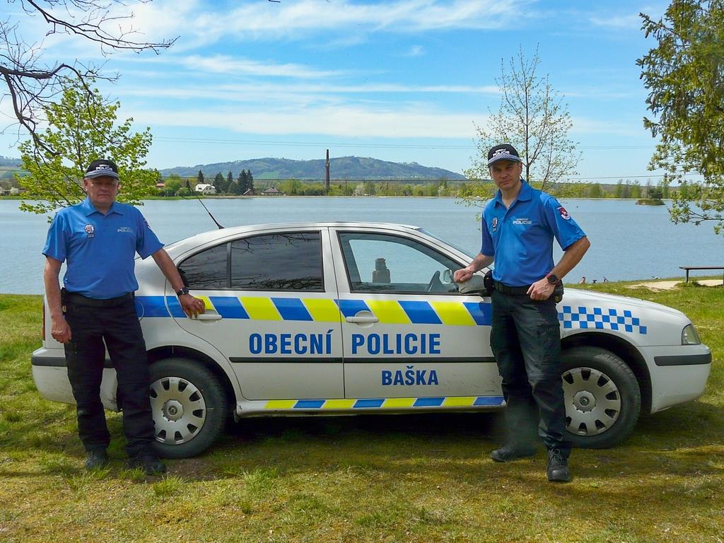 Obecni Policie Baska auto