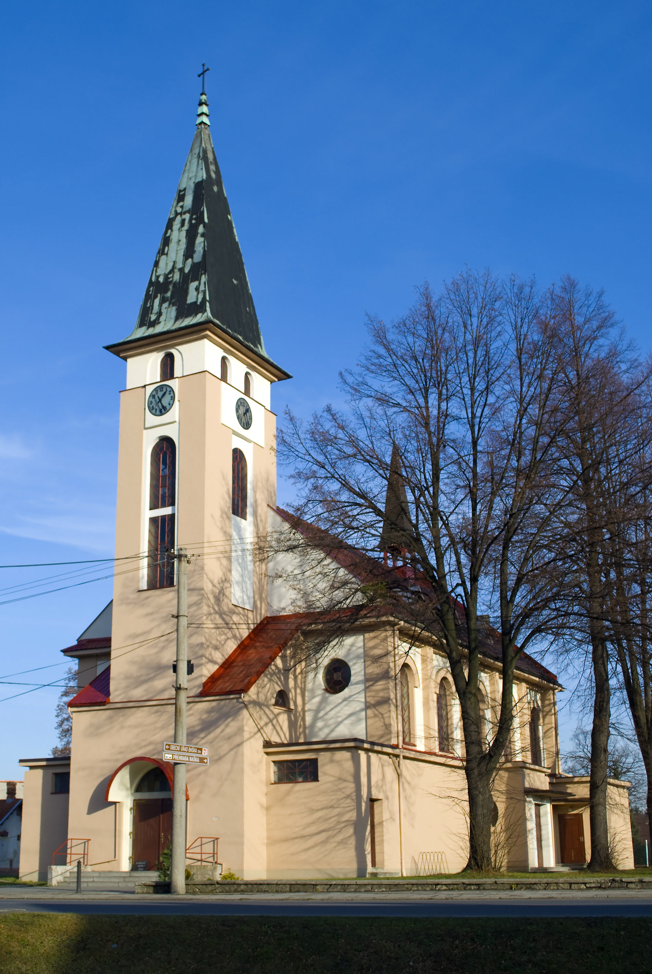kostel-sv-Vaclava-Baska